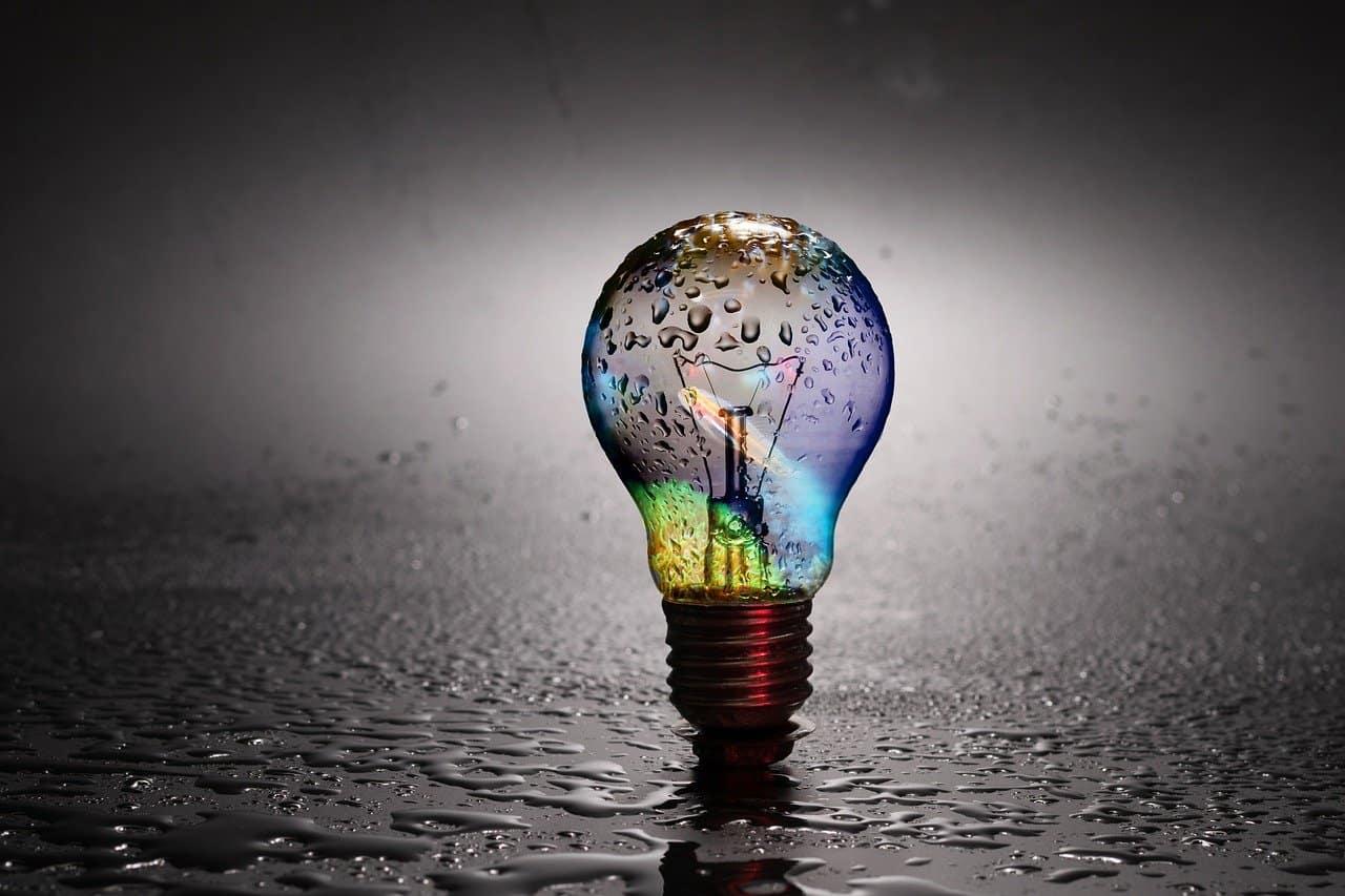 eau est le conducteur de la pensée | L'énergie de la pensée positive