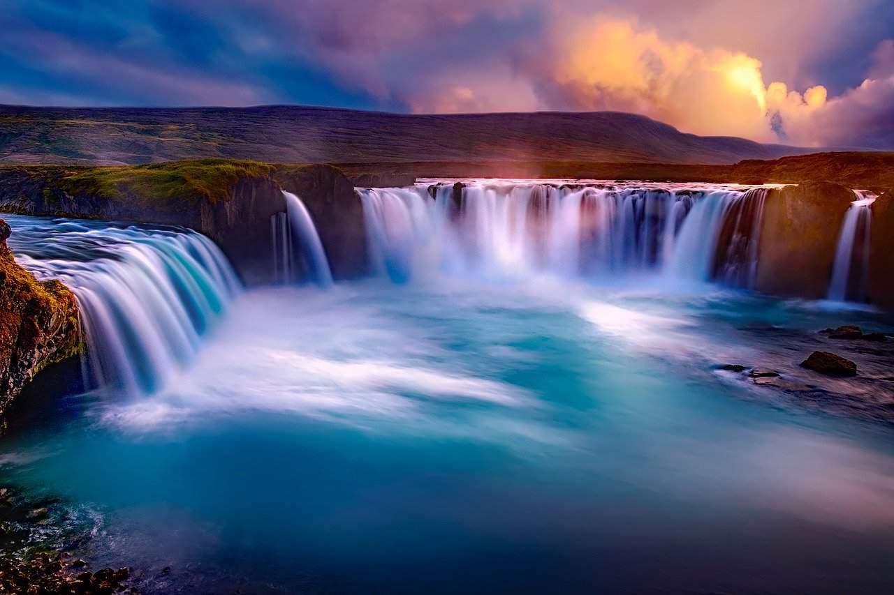 Son de la nature : oiseau, cascade, océan
